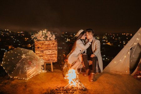 Couple Romantic Camping Lovers  - Gia_Han_Yeu / Pixabay