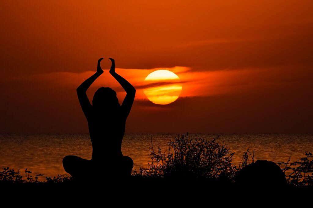 Girl Sunset Yoga Woman Silhouette  - dimitrisvetsikas1969 / Pixabay