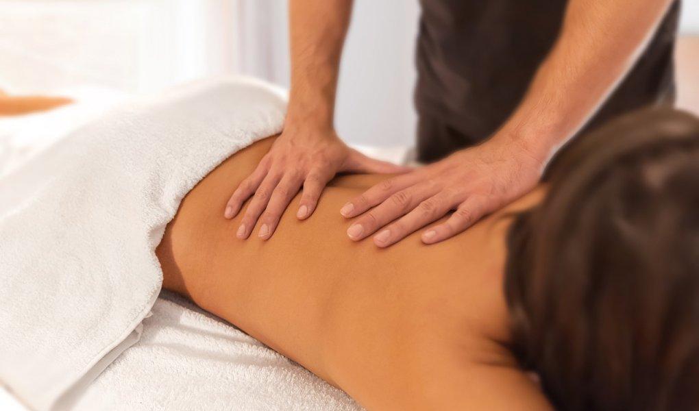 Massage Masseur Spa Therapist  - Bennian / Pixabay