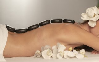 Massage Spa Stones Therapy Body  - Engin_Akyurt / Pixabay
